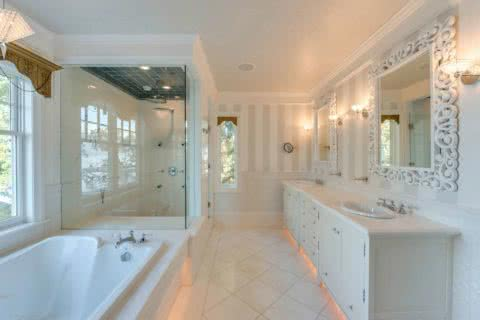 Ardmore Hall Master bathroom