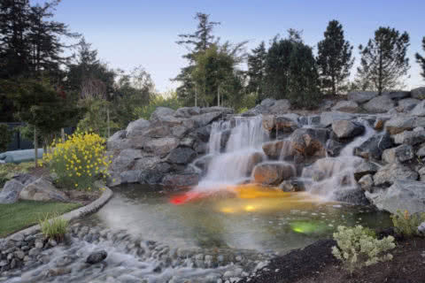 3275 Campion - Pond & Fountain